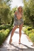 Veronika Skylee in On the Loose030_full