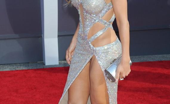Jennifer Lopez – Upskirt at 2014 MTV Video Music Awards