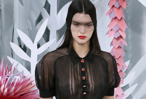 Kendall Jenner - Chanel 's Spring-Summer 2015 Fashion Show in Paris