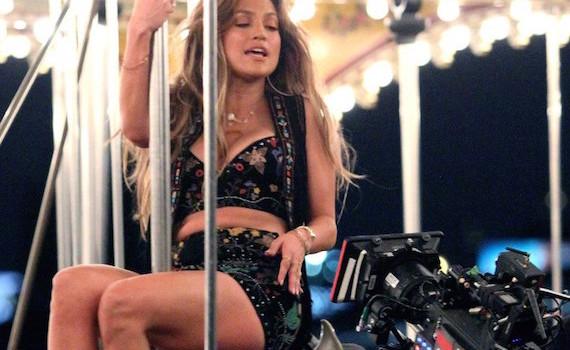 Jennifer Lopez - El Mismo Sol Music Video