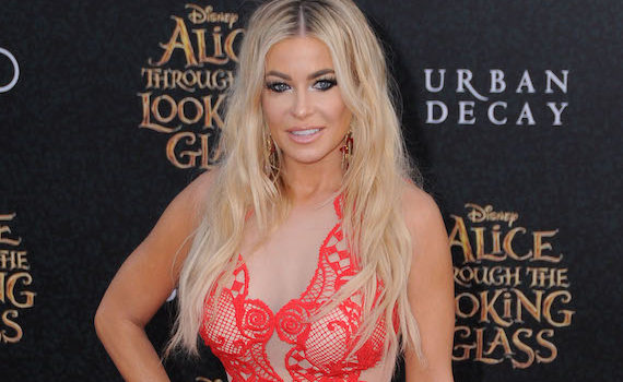 "Carmen Electra - Premiere of ""Alice Through The Looking Glass"" in Hollywood"