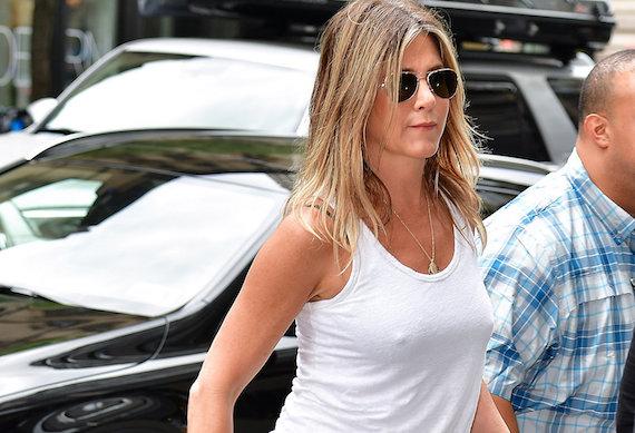 Jennifer Aniston - pokies in NYC