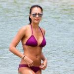 Jessica Alba Wet Pokies In Purple Bikini On The Beach In Hawaii and other Daily Links