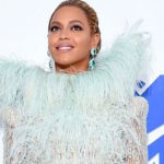 Beyonce's Pantyless Illusion at the 2016 MTV Video Music Awards and other Daily Links
