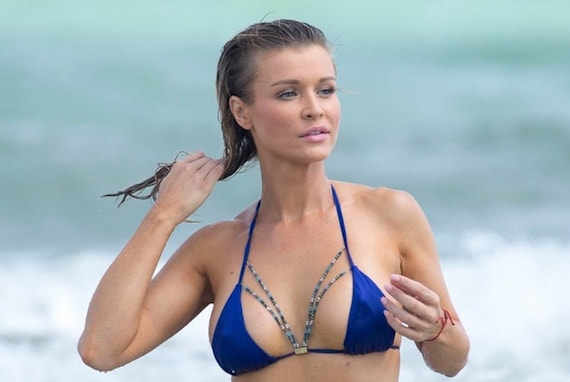 Joanna Krupa Wearing A Blue Thong Bikini In Miami and other Daily Links