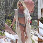 Jessica Simpson – bikini candids at a beach in the Bahamas