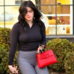 Ariel Winter Nipple Pokies Outside a Salon and other Daily Links